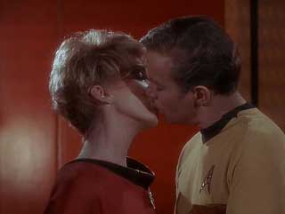 Captain-Kirk-kissing7_z